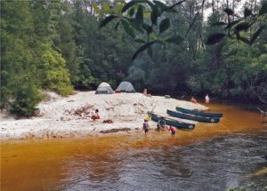 Rios y lagos, brindan una recreación diferente
